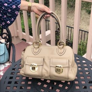 Cream/tan marc jacobs bag